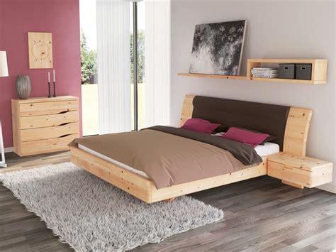 schlafzimmer nachttischle schlafzimmer aus massivholz zirbe mit zirbenbett quot nadine