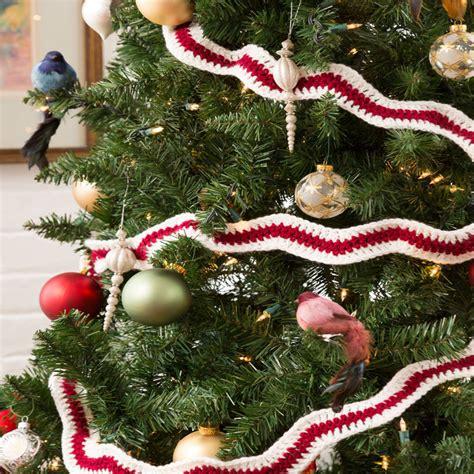 crocheted christmas tree garland ideas ripple garland