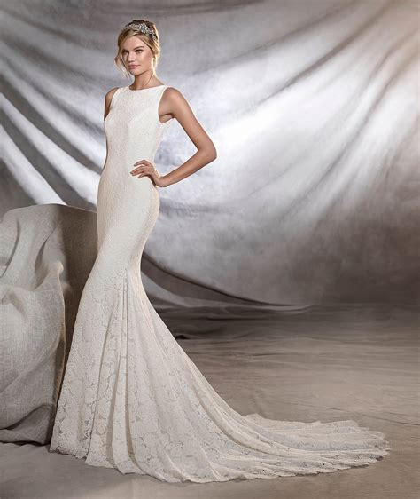 the wedding pronovias ornani mermaid style bridal gown