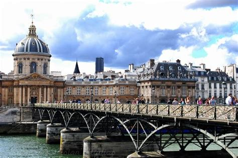 morning news roundup pont des arts bridge  paris