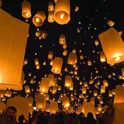 Wedding Wishes Lanterns by Best 25 Flying Paper Lanterns Ideas On Send
