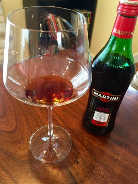 vermouth color rossi rosso vermouth first pour wine