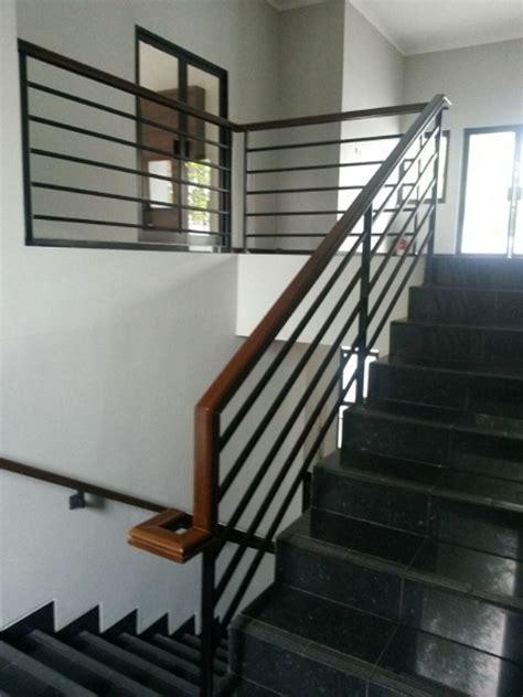 railling tangga besi