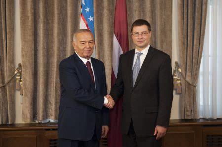 uzbek parliament appoints pm mirziyoyev as interim president uzbekistan bids farewell to long ruling president karimov