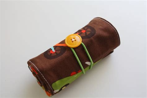 pattern for crayon roll up crayon roll tutorial free sewing pattern from the kids
