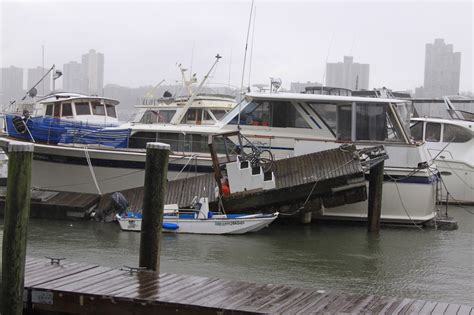 hurricane sandy boats nyc after hurricane sandy in photos ny nesting news