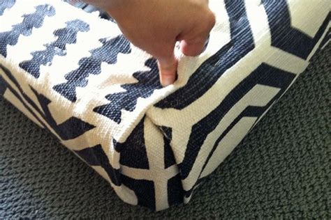 upholstery how to do corners upholstering corners diy to try pinterest