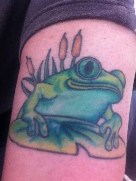 frog lily pad tattoo designs 14 best frog images on frog tattoos