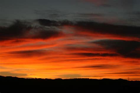 gambar pemandangan laut alam horison matahari terbit