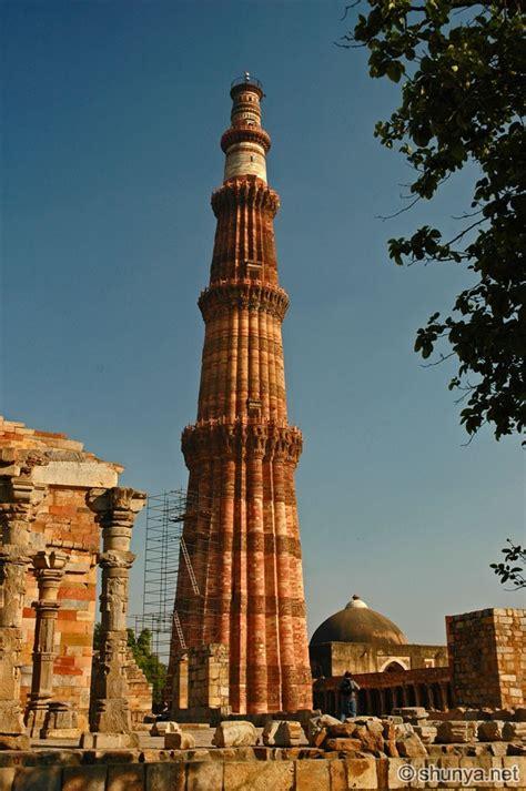 qutb minar delhi india shunya