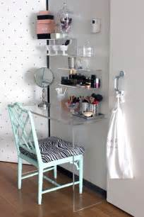 Makeup Vanity Table For Small Spaces Vanities Small Rooms And A Small On
