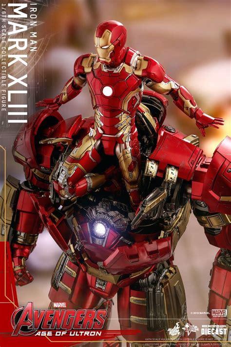 hot toys brings massive hulkbuster