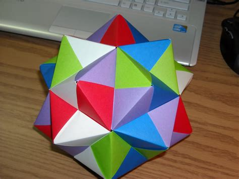 Origami Sonobe - origami capped icosahedron via sonobe modules