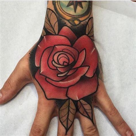 imagenes de tattoo de flores 17 mejores ideas sobre tatuajes de flor tradicionales en