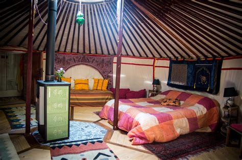 tende yurta bolle yurte rifugi sugli alberi il cing diventa chic