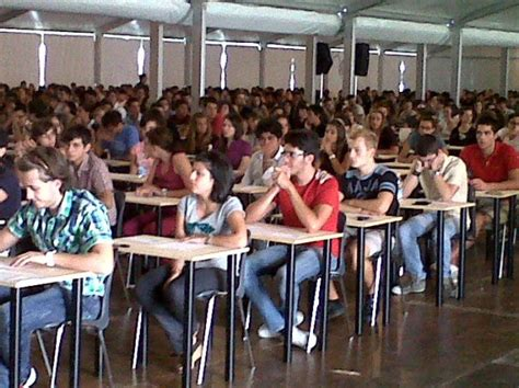 test d ingresso roma tre foto universit 224 al via i quiz di medicina alla cattolica