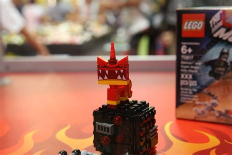 Lego Angry Minifigure Dari Set 70817 lego wars forum from bricks to bothans view topic sdcc lego comic con exclusives