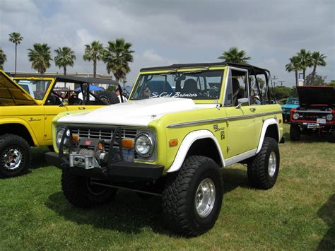 jeep bronco white two tone yellow ford bronco early road small suv with