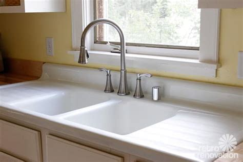 Porcelain Kitchen Sink With Drainboard Emily Drew Create A Charming 1940s Style Kitchen On A Budget Retro Renovation