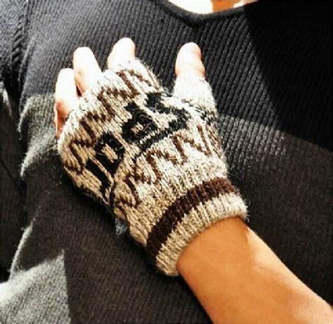 Sarung Tangan Setengah Jari unisex musim dingin mode baru yang hangat setengah jari