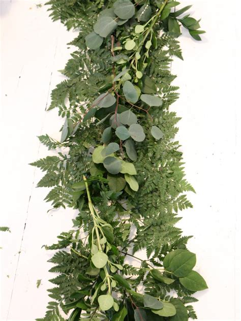 Wedding Garland by How To Make Wedding Garland With Flowers How Tos Diy