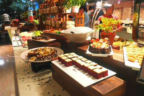 best buffet in singapore 5 best buffet restaurants in