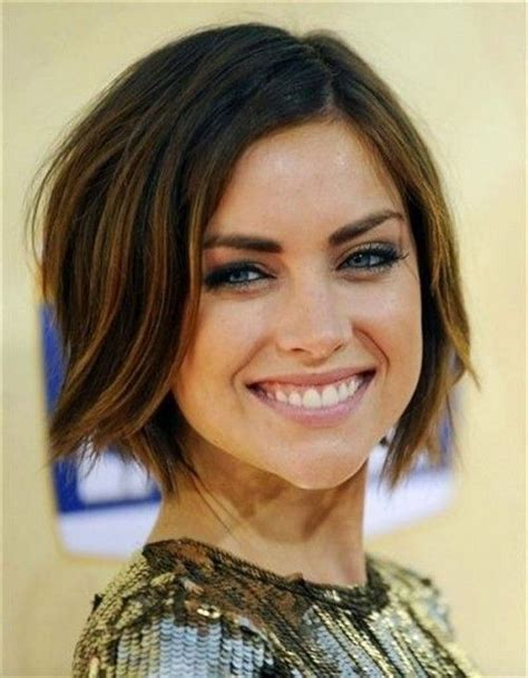 hairstyles for long chins 25 best ideas about chin length hairstyles on pinterest