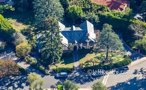 bill cosby house bill cosby s home new exclusive photos of his neo eclectic tudor mansion palm
