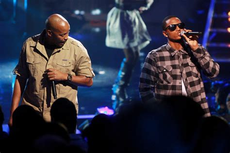 warren g trey songz perform regulate trey songz and warren g photos 2009 vh1 hip hop honors