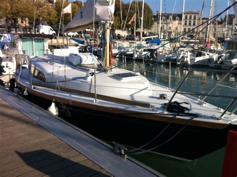 Vintage sailboat (Arpège) to rent in La Rochelle