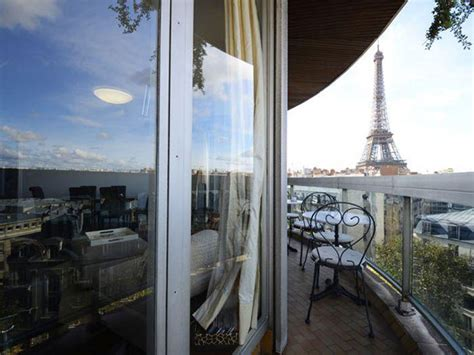 eiffel tower apartment wake up to eiffel tower views in this parisian apartment