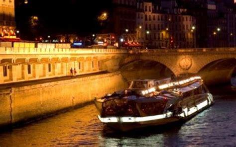 bateaux mouche paris new year s eve the bateaux mouches unforgettable dinner cruise for
