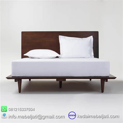 Kursi Sofa Bisa Jadi Tempat Tidur beli tempat tidur modern minimalis vintage bahan kayu jati