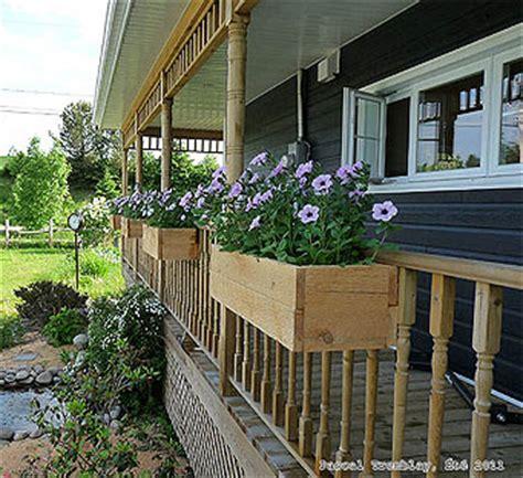 DIY Planter Box   Build a Cheap Wooden Deck Rail Planter Box