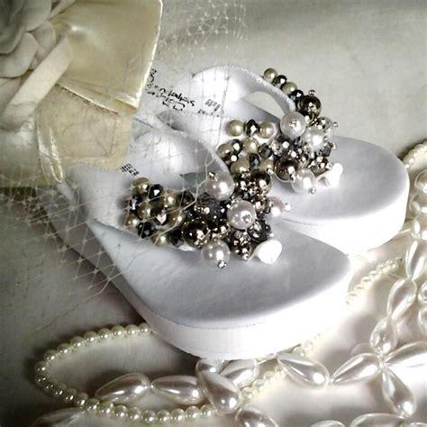decorar zapatos con perlas sandalia decorada con perlas ojotas bordadas pinterest