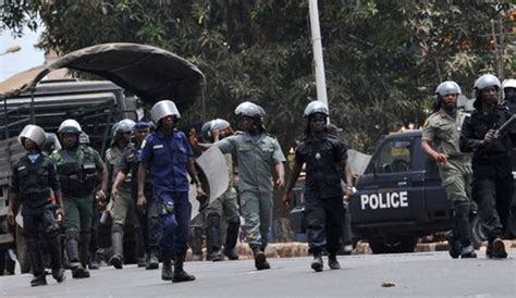 208141693x le suspendu de conakry guin 233 e plusieurs agents de la police suspendus africa