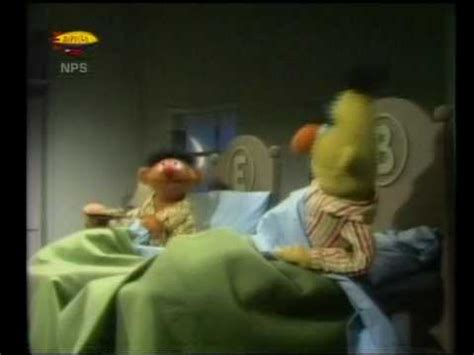 bert and ernie in bed bert ernie koekjes in bed youtube