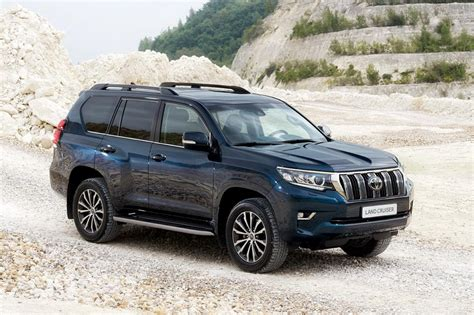 Interior Accessories For Home by Toyota Facelifts Land Cruiser Suv For 2018 At Frankfurt