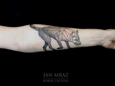low poly tattoo 25 amazing geometric dotwork wolf tattoos tattooblend