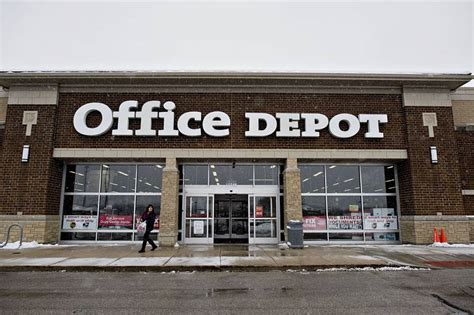 Office Depot Union Eu Probes Staples Planned Purchase Of Office Depot On