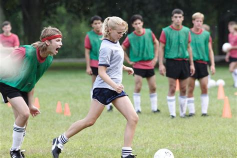 elisabeth shue soccer the shues tell their story through film and soccer mpr news