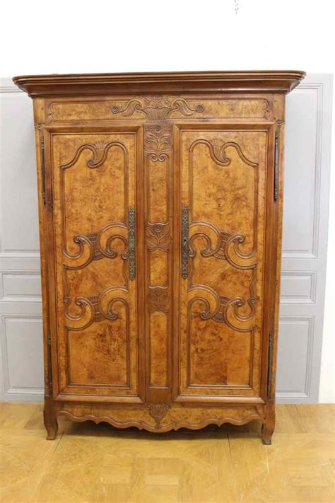 armadio ciliegio armadio antico francese in ciliegio xix secolo anticswiss