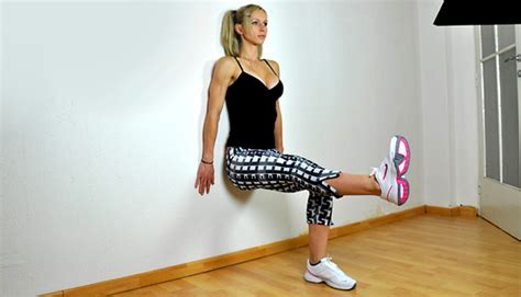 Wall Sits Exercise   Workout your quads with this Great Exercise