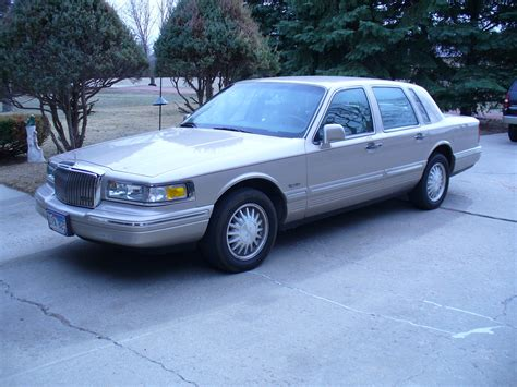 1997 lincoln towncar 1997 lincoln town car pictures cargurus