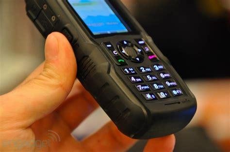 Hp Nokia Android Yg Murah sonim xp3300 ponsel bandel baterai kuat sebulan lebih dilengkapi fitur gps review