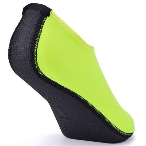 Sepatu Pantai Slip On sepatu pantai slip on size xl black jakartanotebook
