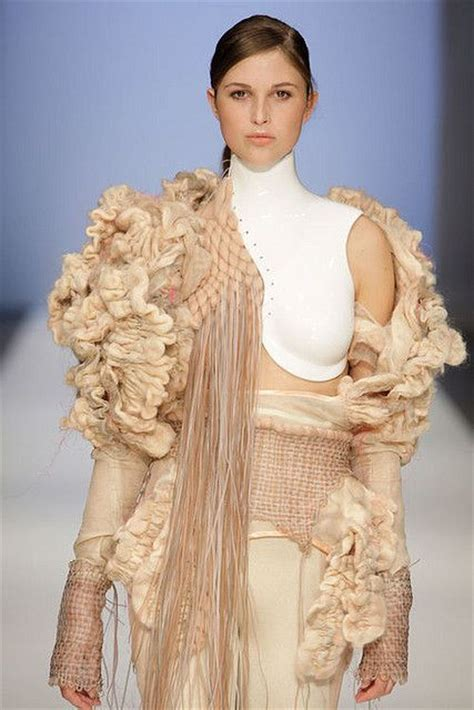 Mix Of Neutral Style Couture In The City Fashion Couture In The City by Les 227 Meilleures Images Du Tableau Experimental Knit Sur