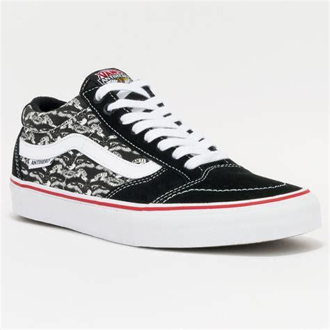 Sepatu Merk Vans The Wall 10 merk sepatu branded favorit anak muda dan dewasa