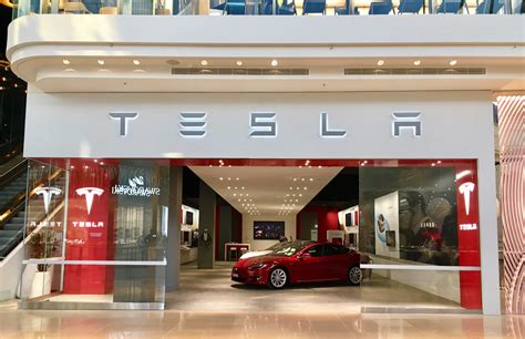 stores in melbourne news tesla opens new melbourne store in chadstone