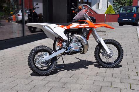50ccm Motorrad Ktm by Ktm Modell Motorr 228 Der 50ccm Motorrad Bild Idee